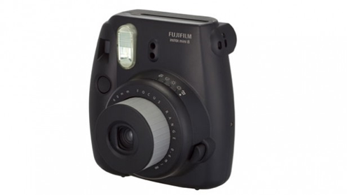 http://static.trustedreviews.com/94/000028a25/0b15_orh348w620/FujiFilm-instax-mini-8-hold.jpg